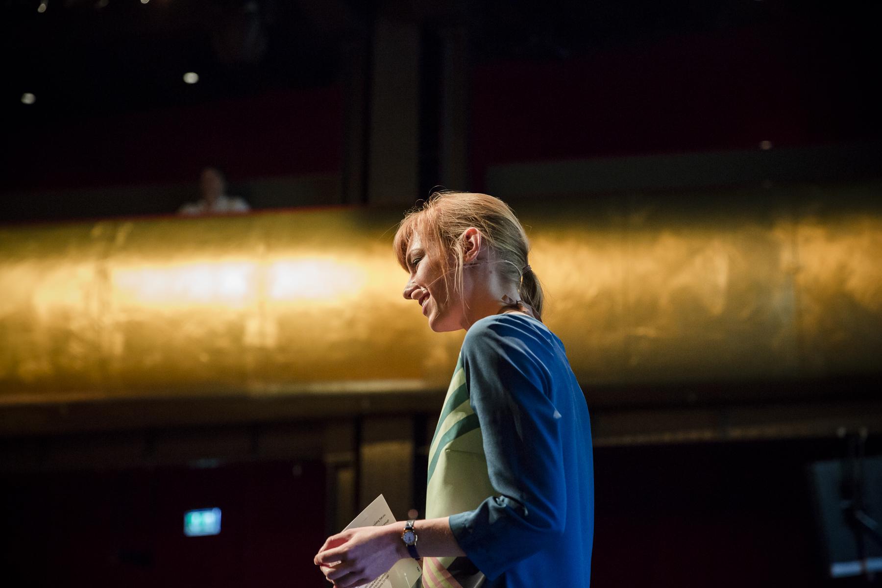 Moderatorin Eva Schulz