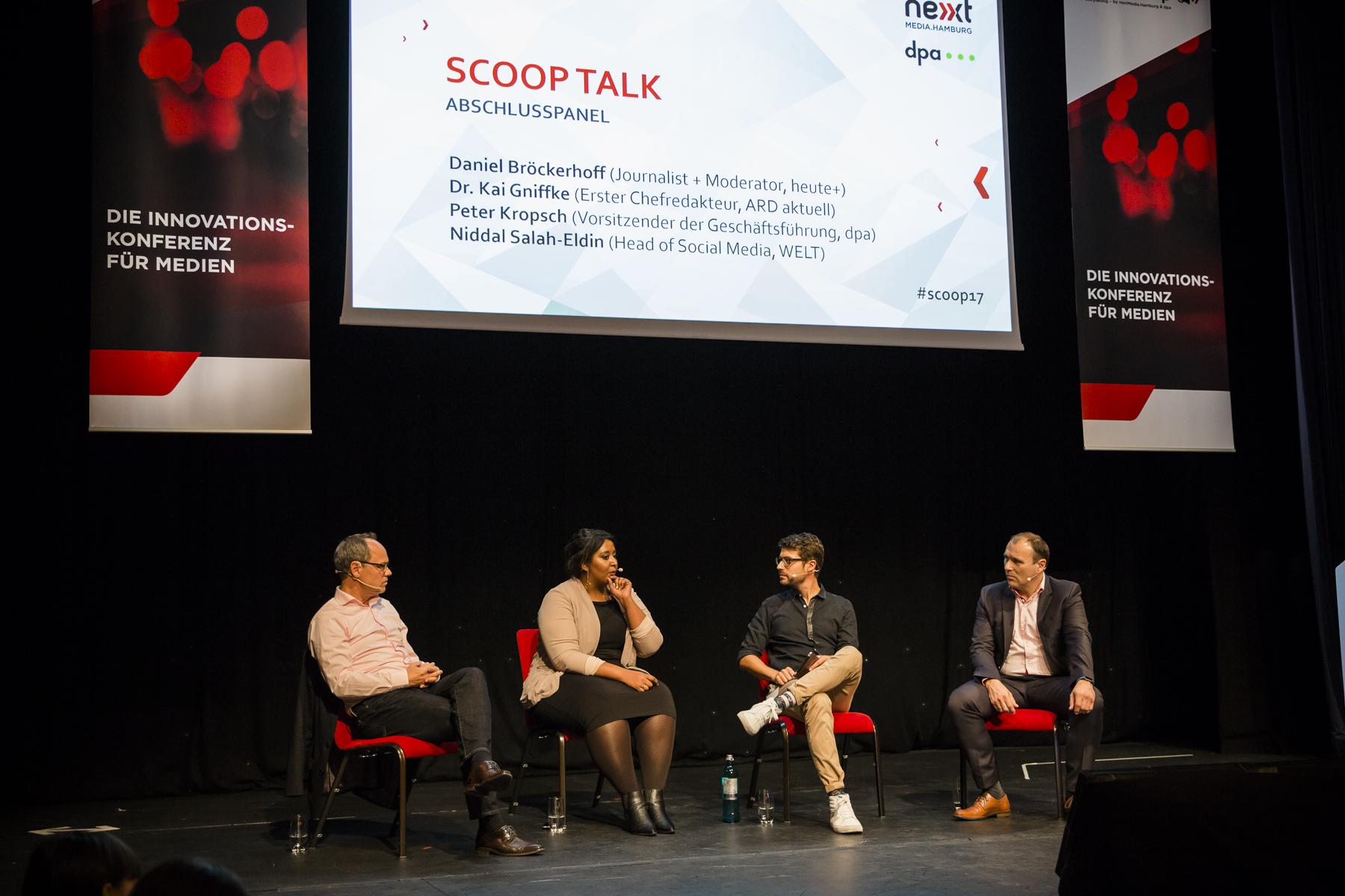 Abschlusspanel mit Dr. Kai Gniffke (Erster Chefredakteur ARD-aktuell), Niddal Salah-Eldin (WELT), Moderator Daniel Bröckerhoff (ZDF heuteplus) und Peter Kropsch (Deutsche Presse-Agentur)