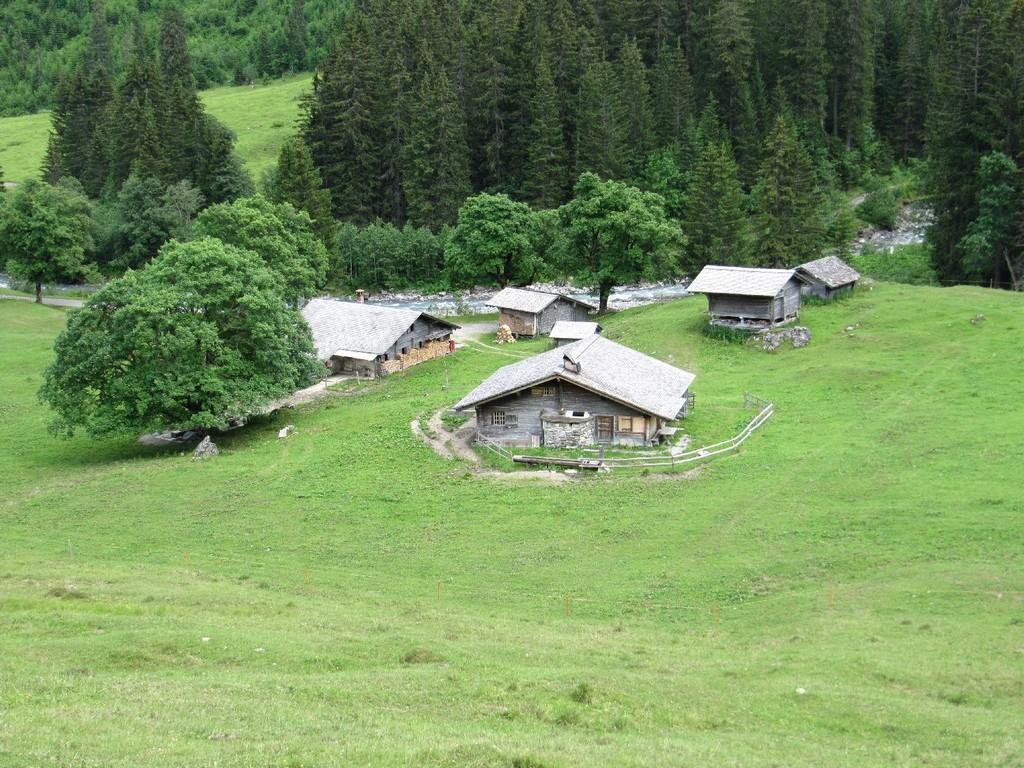 Alphütten Broch