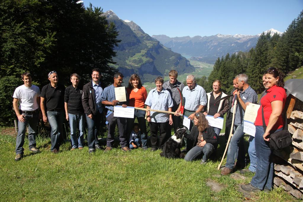 Organisatoren und Gewinner (Foto: jungrauzeitung.ch/Irene Thali)