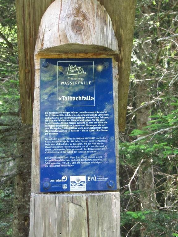 Informationstafeln zu allen Wasserfällen