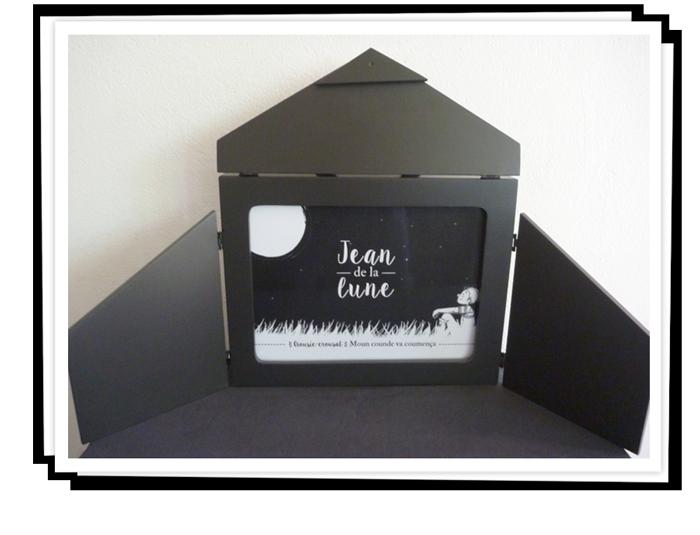 """Création et écriture par l'atelier du conte """"Jean de la lune"""". Illustration et fabrication d'un kamishibaï."""
