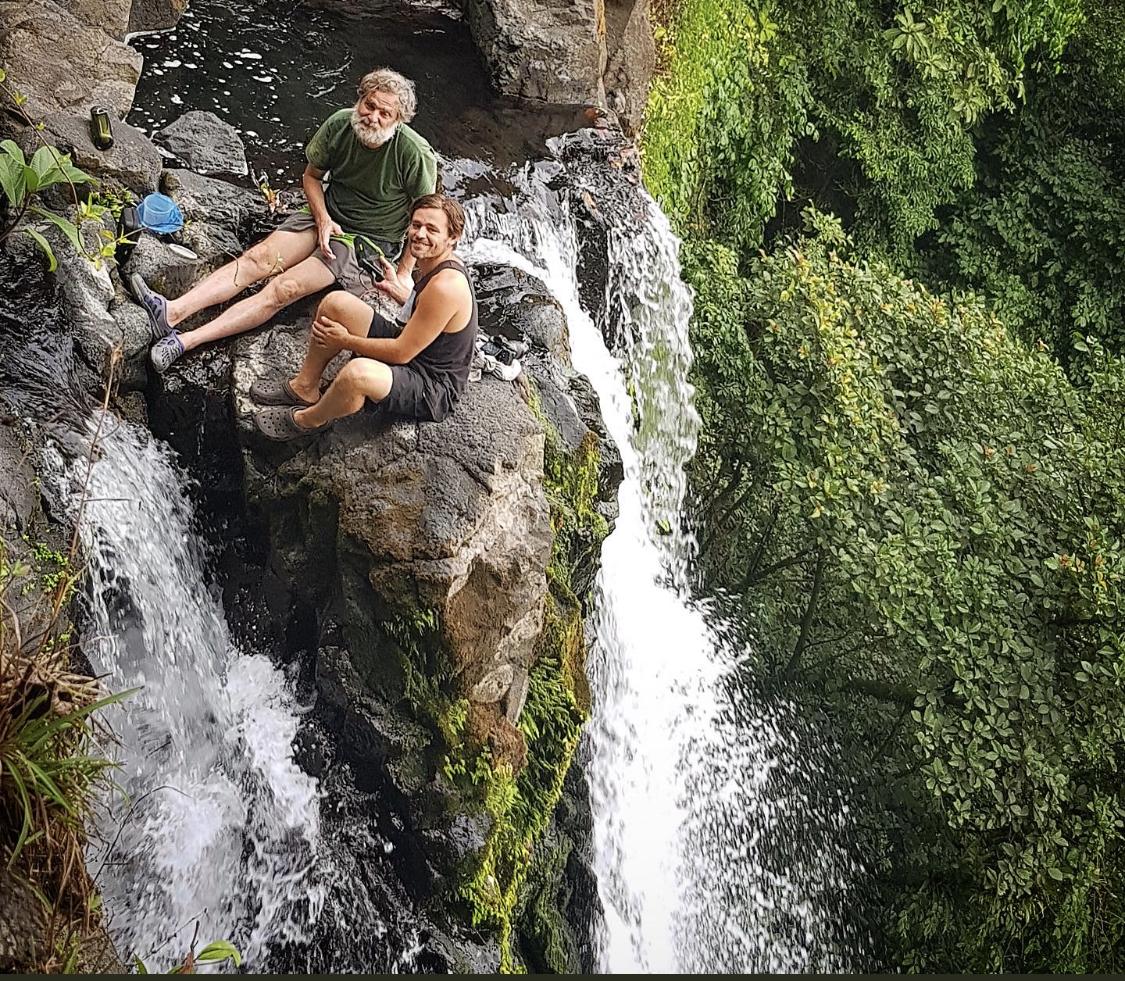 Oliver Goetzl und Justin Jay, Luara Waterfall, Bioko © Tania Escobar