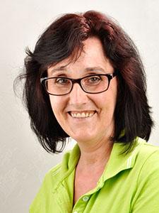 Frau Wiese sorgt für perfekte Sauberkeit in der Praxis