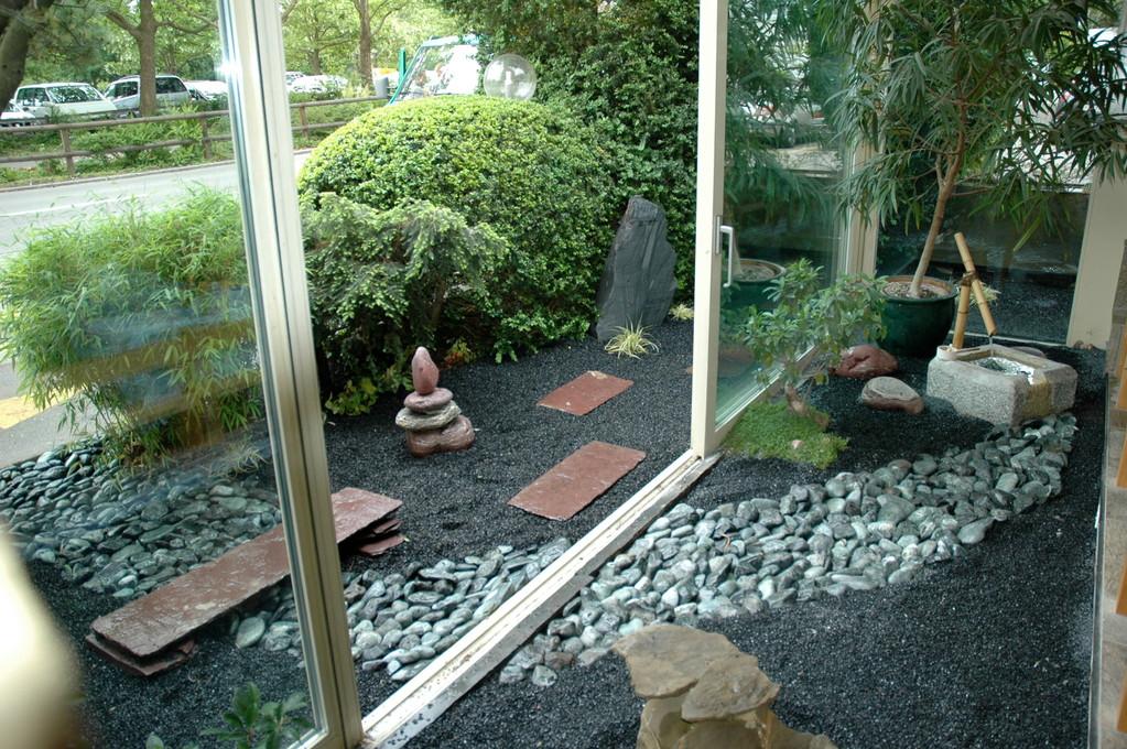 Japanischer Garten innen und aussen, Eberhard_Gartenbau_Kloten