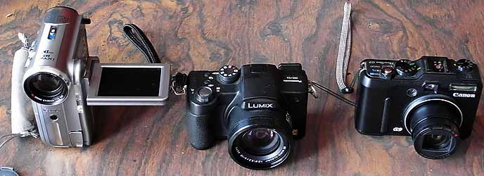左からCanon DM-IXY DV M5、Lumix DMC-FZ5、Canon PowerShot G9