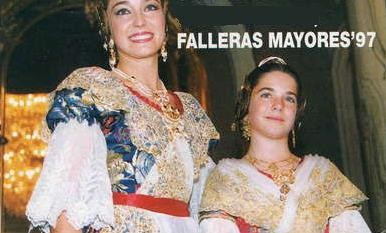 Amb la seua Fallera Major Infantil 1997.