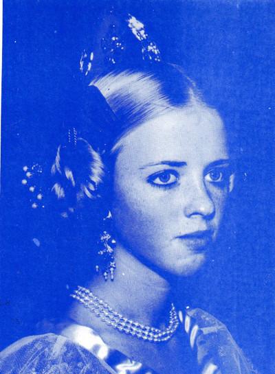 Mª Eugenia Gil Martínez. Cort de la Fallera Major de València 1980.