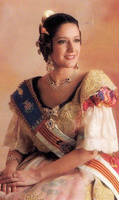 Sonia Vara Benlloch. Cort de la Fallera Major de València 2000.