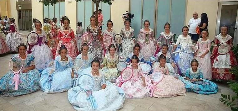 Preparant-se per a la Batalla de Flors. Fotografía de fallas.com