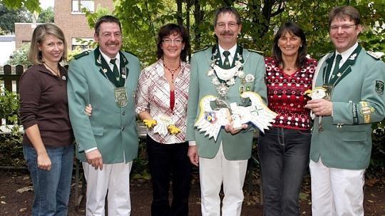 v.l.n.r: Harald Claeßen mit Birgit Cürten, Kuno & Brigitte Danners, Hans-Willi Karls mit Karina Meuser