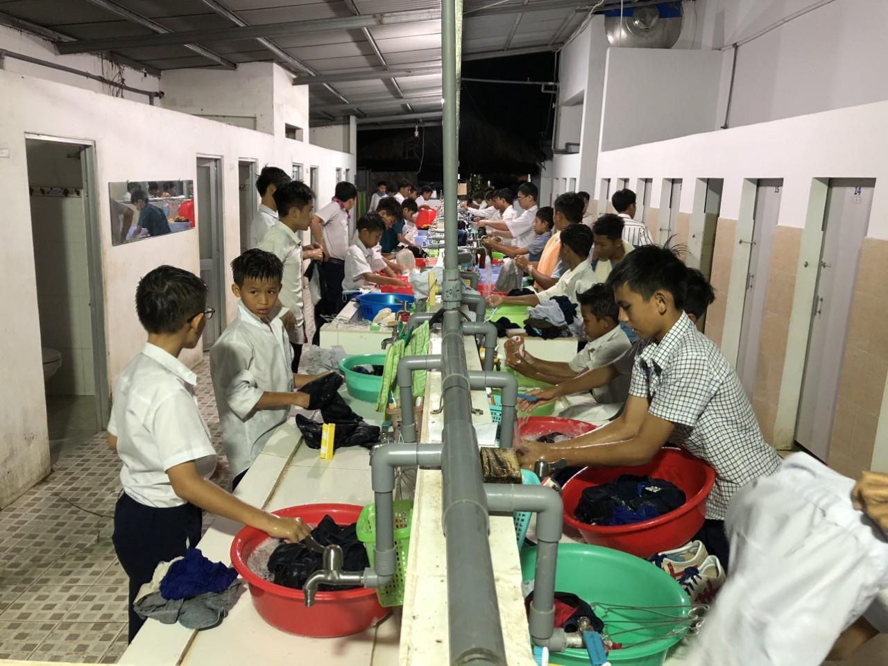 Wenn die Morgenhygiene zum Stresstest wird – Ausbau der Sanitäranlagen in einem Kinderheim