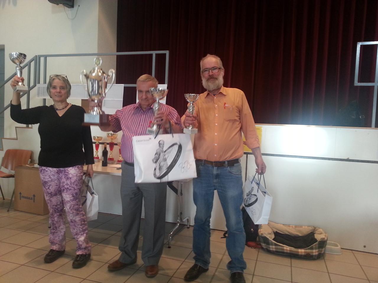 2e Marlyse Lathion (SSV), 1er Henri Mauron (SSF) et 3e Béat Odin (SSF)