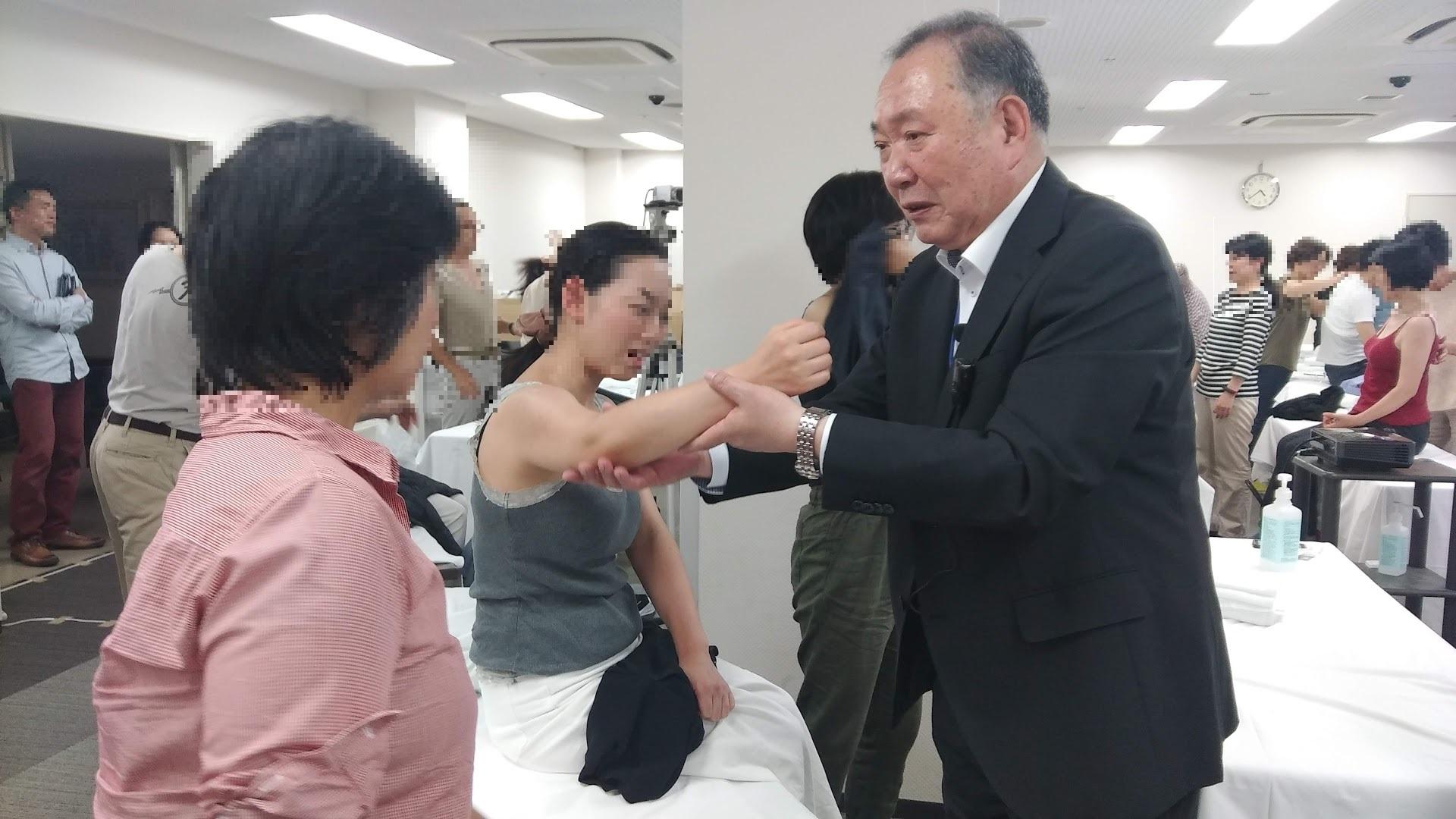 経絡治療実技(運動鍼)