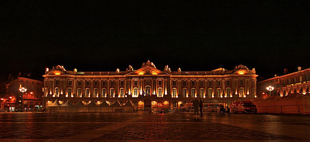 Place du Capitole de nuit