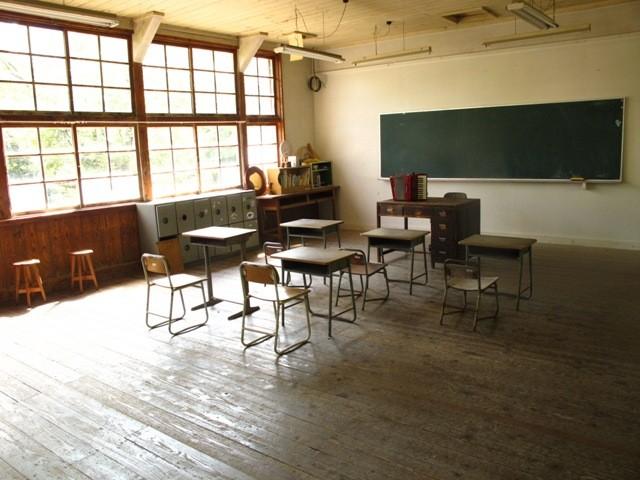 誰もが懐かしく感じる教室