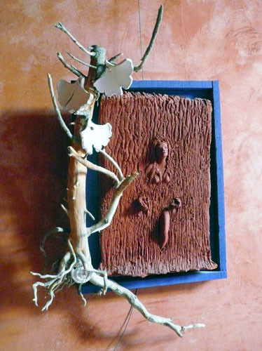 la dryade, tableau sculpture en terre et bois