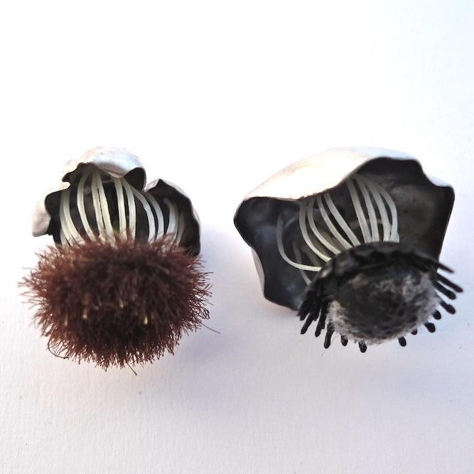 Eva Tesarik - Blumenpins - Silber, Kunststoff