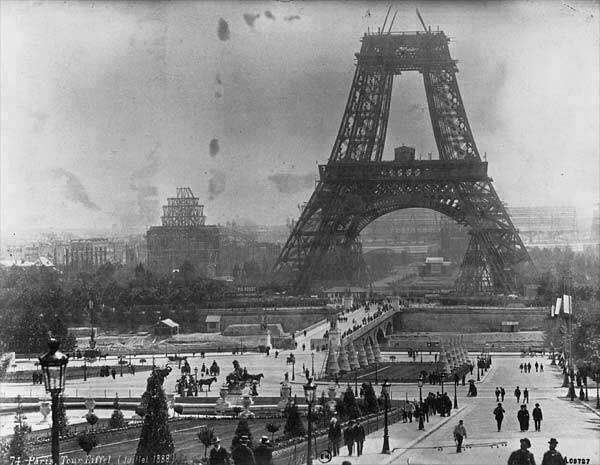 Costruzione della torre Eiffel, luglio del 1888