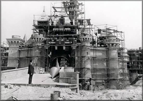 Costruzione del castello Disneyland