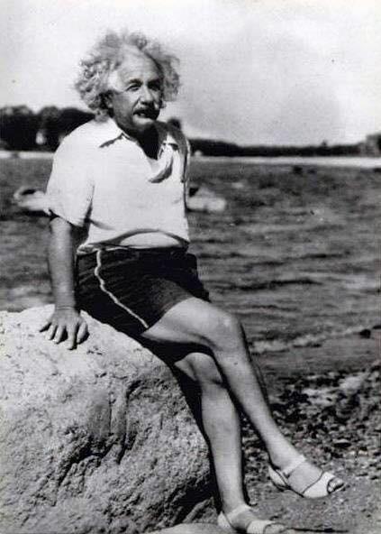 Albert rilassandosi sulla spiaggia