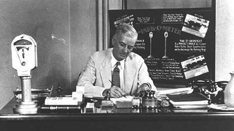 1935 a Oklahoma City Installato il primo parchimetro al mondo