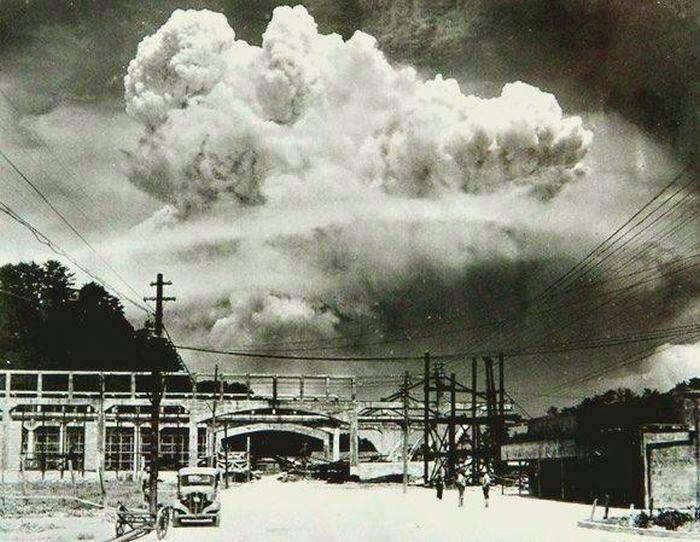 Nagasaki, 20 minuti dopo lo scoppio della bomba atomica nel 1945
