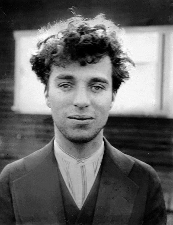 Charlie Chaplin a 27 anni nel 1916