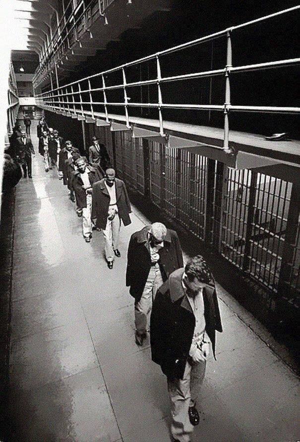 Ultimi prigionieri abbandonati nell'isola di Alcatraz 1963