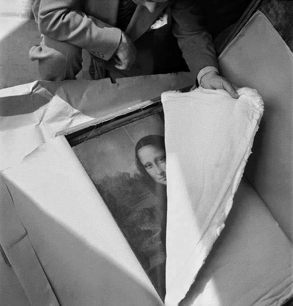 La Monnalisa arrivando al Louvre dopo la seconda guerra mondiale.