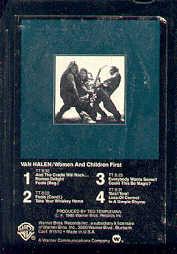 Cartouche 8 pistes, ancêtre des cassettes des années 1970/80. Origine totalement inconnue car aucun signe planétaire distinct. Malgré tout cela a t-il un rapport avec l'astronome du XX ème siècle ?
