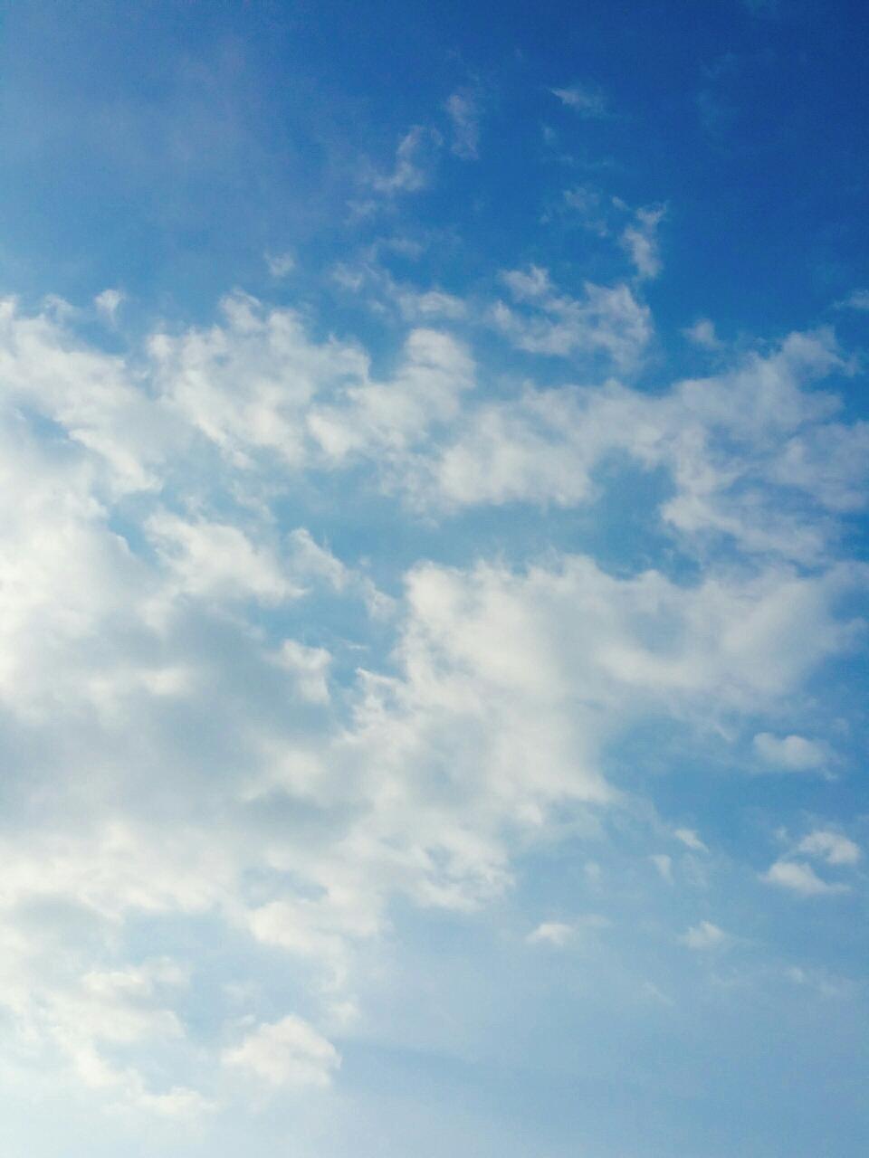 青空 大空 開放感 解放感 深呼吸