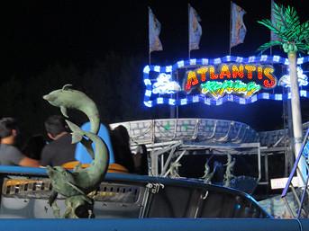 ATLANTIS RAFTING - DIE Jahrmarkts-/Kirmes-Wildwasserbahn: Lichterglanz im nächtlichen Atlantis