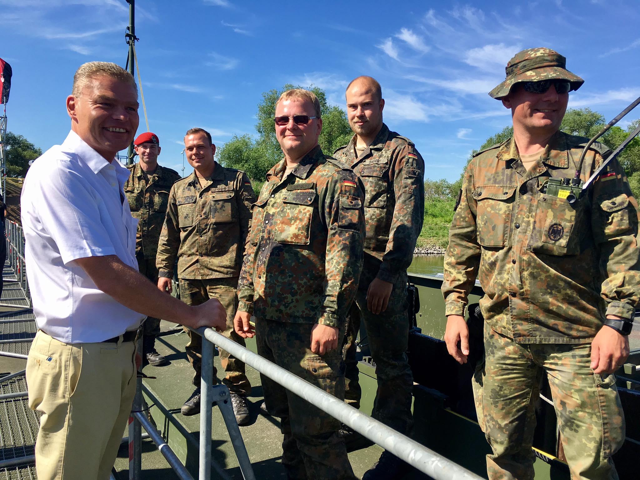 Danke auch an die Bundeswehr für die Unterstüzung.