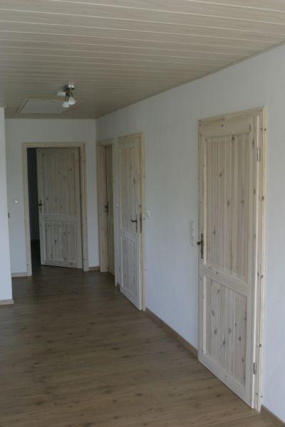 Eingangsbereich mit Türen zu Bad und Schlafzimmern