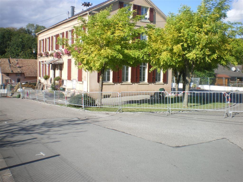 05.09.2011 la nouvelle cour de récréation de l'école pour une période indéterminée