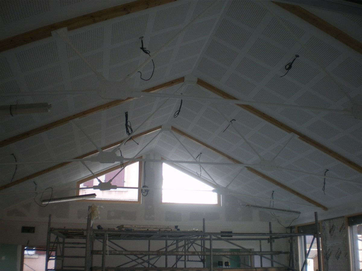 Semaine 50 : le plafond de la salle est terminé