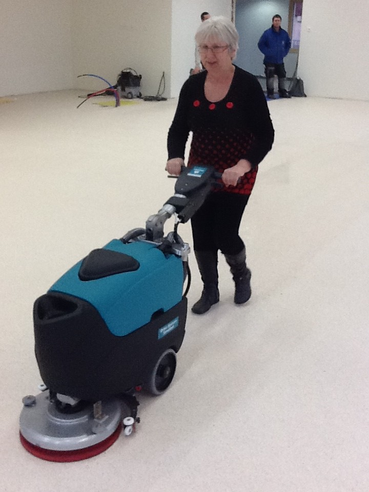 Félicitation à notre technicienne de surface Edith qui à 64 ans est toujours encore en demande de formation