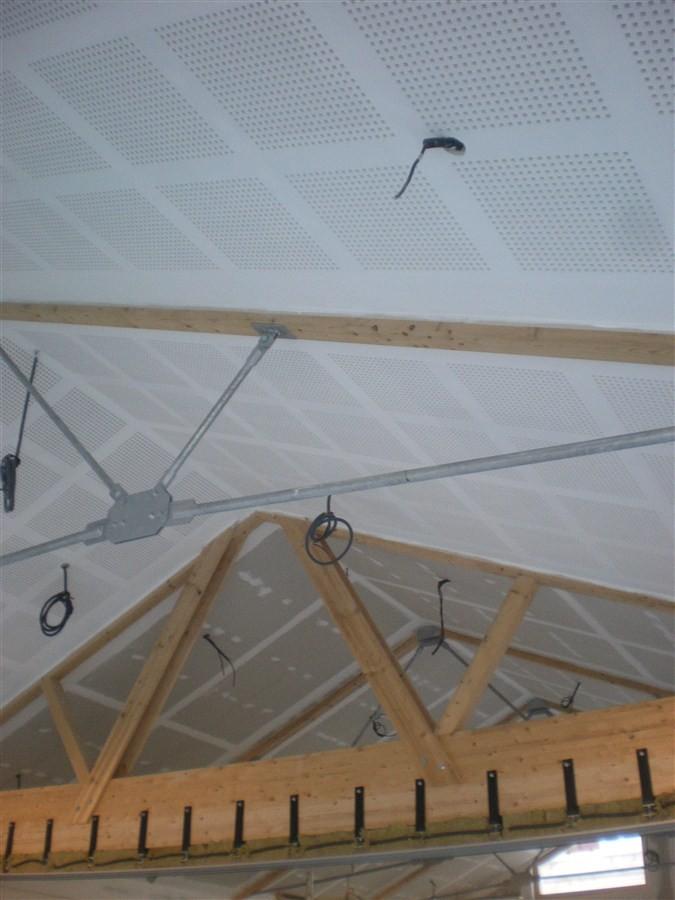 Semaine 48: les peintres peignent les plafonds dans la salle et la Mairie