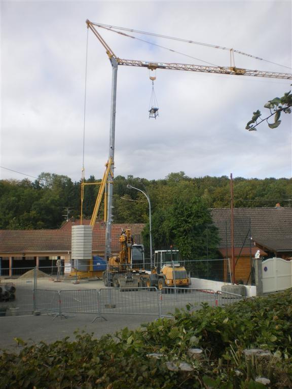 Mardi 13.09.2011, la grue est mise en place