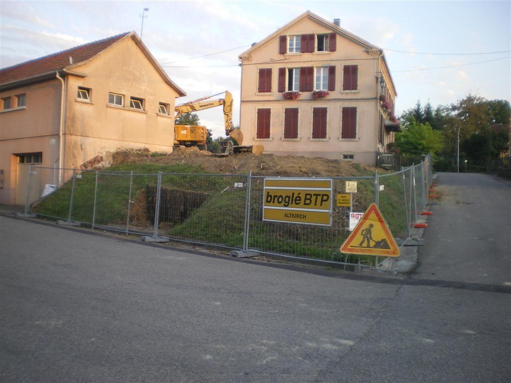 Lundi 22.08.2011 démarrage du chantier et premier coup de pelle