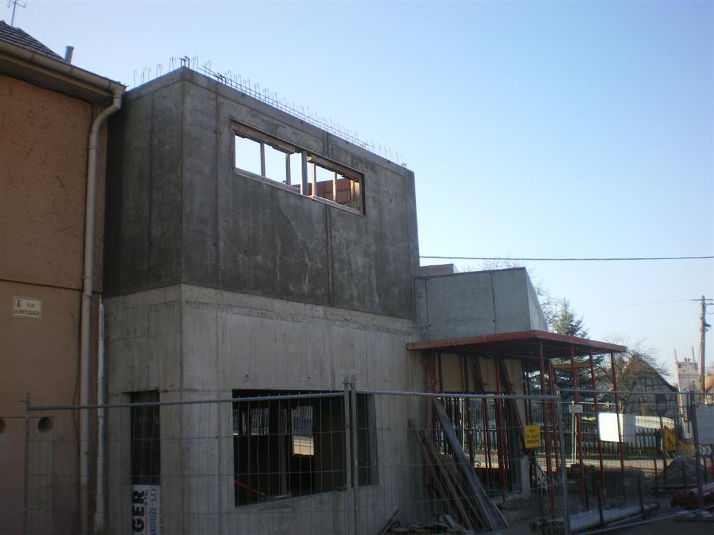 """""""2012"""" Semaine 2 : c'est la reprise du chantier, mur de la future cuisine coté """"rue de Hirtzbach"""""""