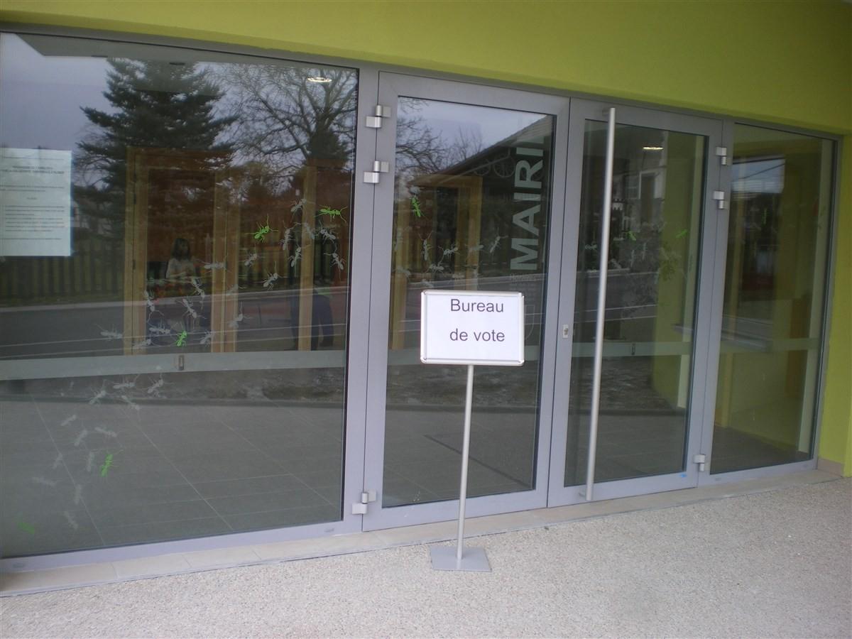Dimanche 7 avril: le bureau de vote dans la nouvelle Mairie