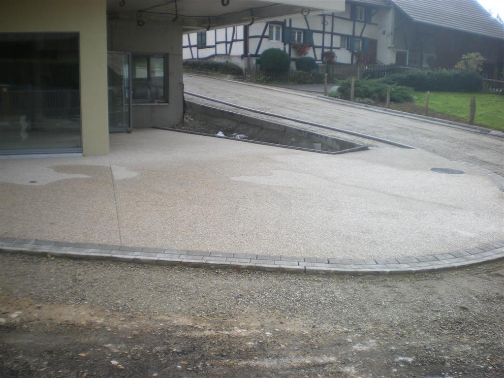Semaine 38 : travaux de finition devant l'entrée de la Mairie