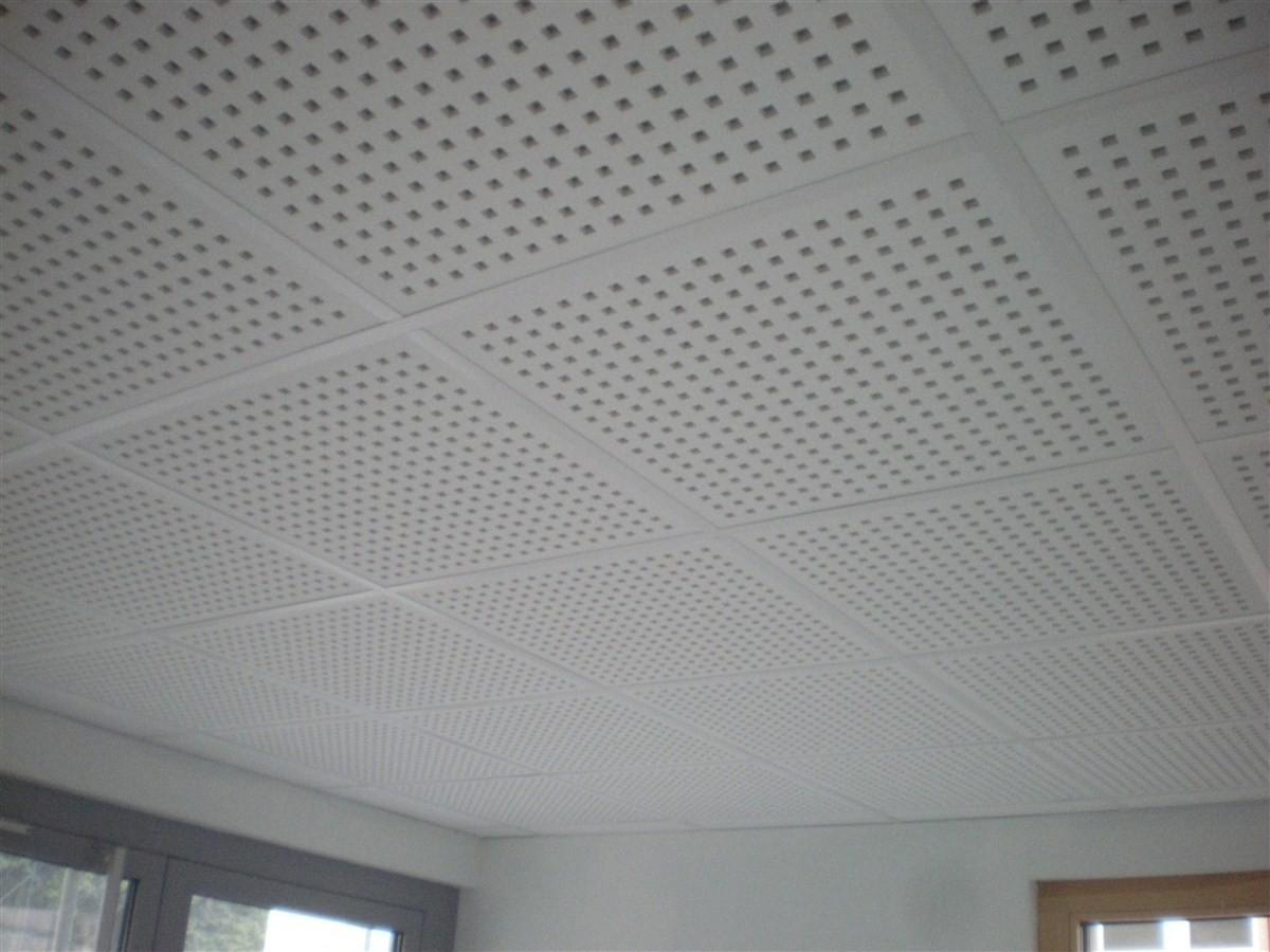 Semaine 1 : pose des faux-plafonds dans la salle et dans la mairie