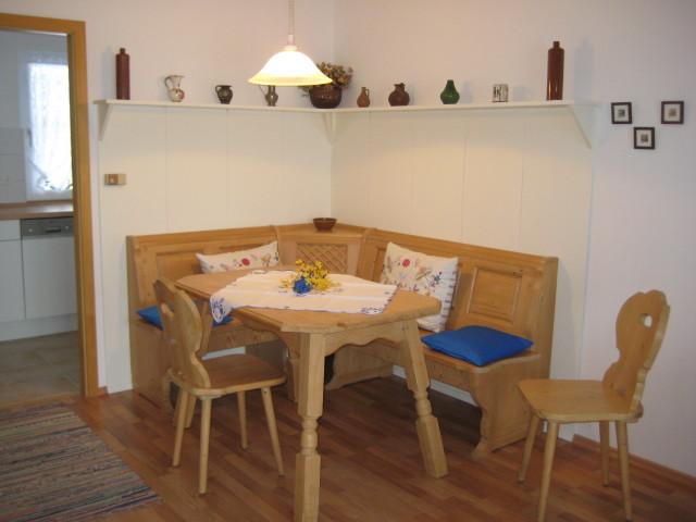 43 Küche und Essplatz - Urlaub und Ferienhaus