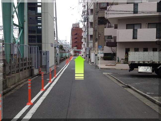 平沼橋駅前