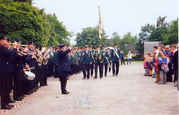 Schützenfest 2000 - Einmarsch der Fahne