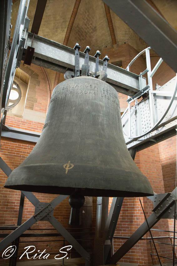 """Die große Domglocke """"BREMA"""" ,gegossen am 15.3.1962 in der Glockengießerei Otto in Bremen"""