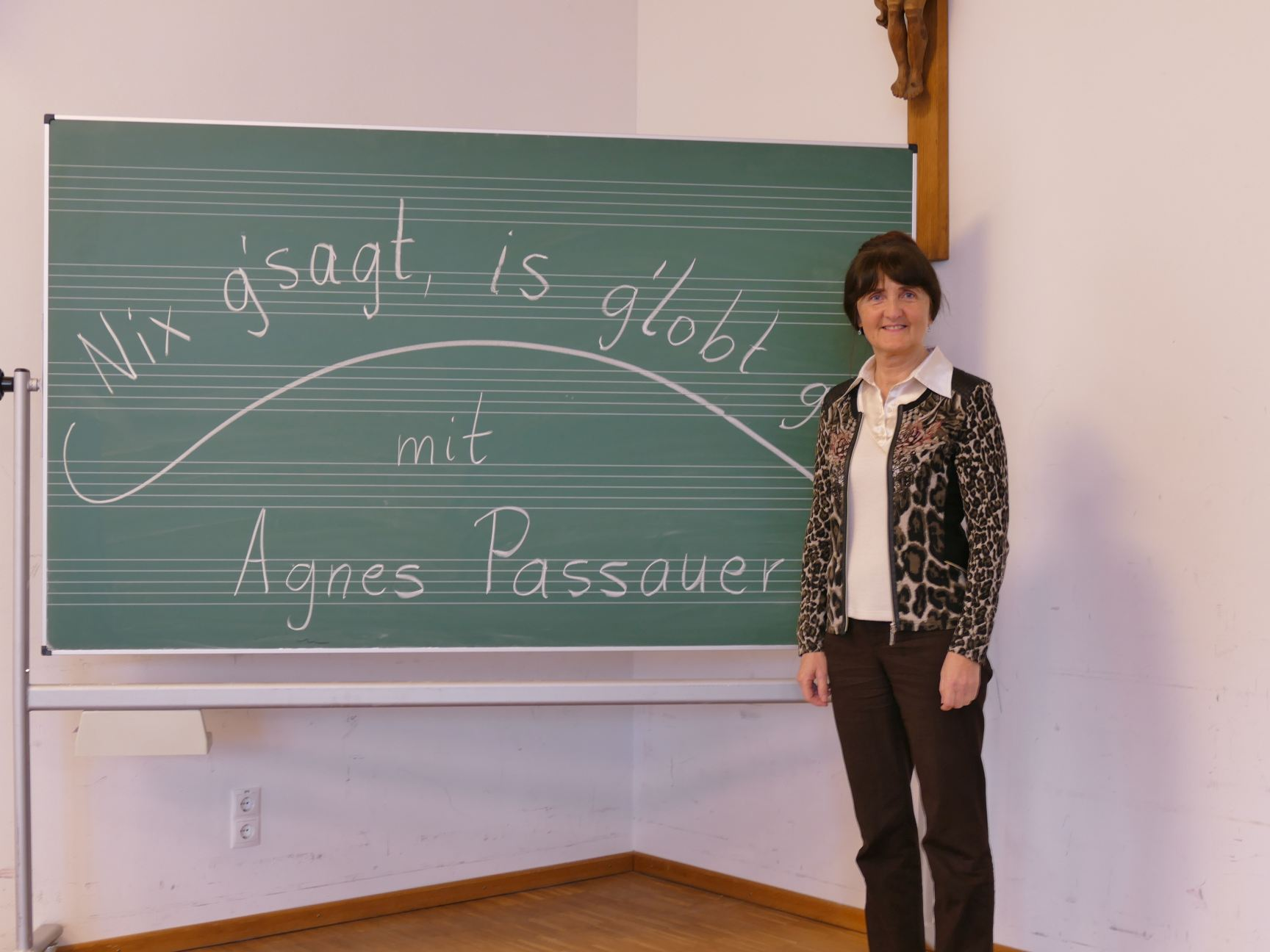 """""""Nix g'sagt, is' g'lobt gnua""""     mit Agnes Passauer"""